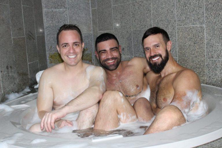 Photo of #SUITE69 – Pornstar Wagner Vittória e Andy Onassis, juntos na banheira em entrevista especial