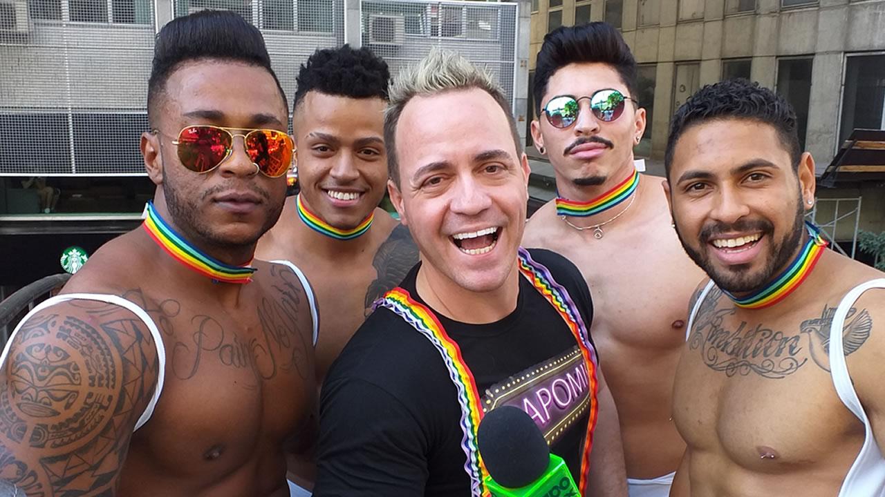 Photo of Diva Transex Cláudia Edson e gogoboys na Parada LGBTI+ de São Paulo