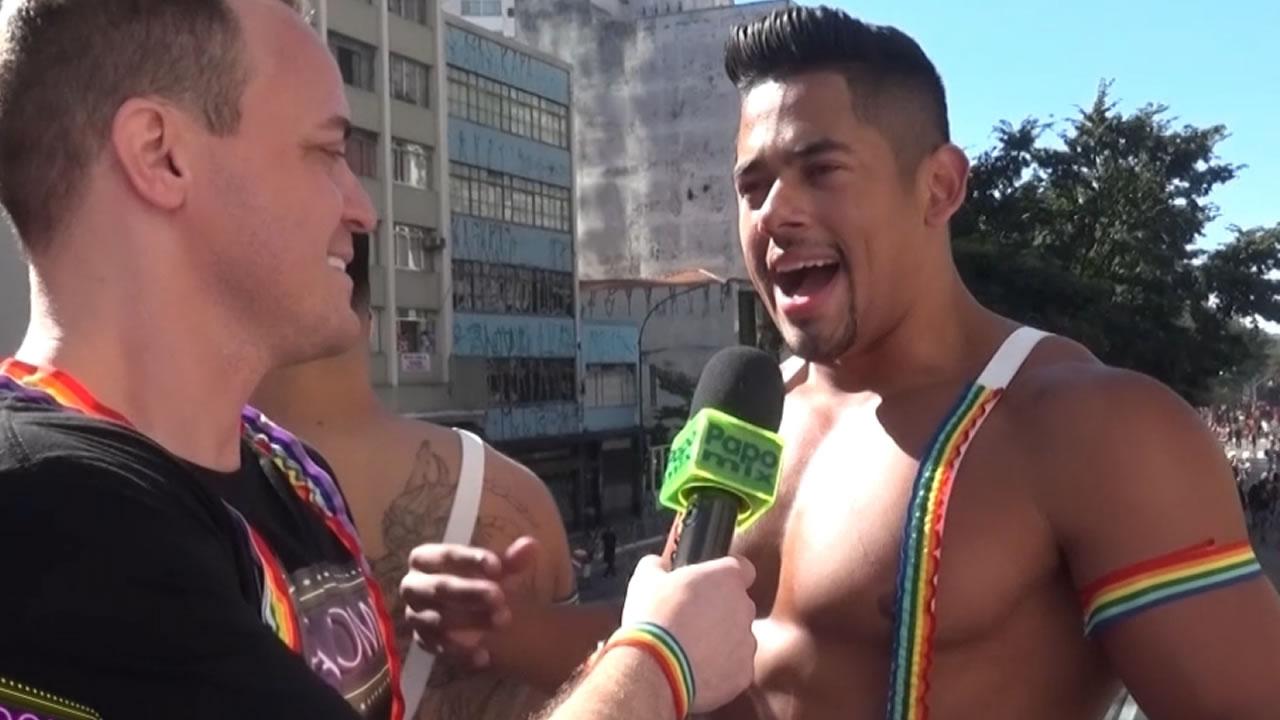 Photo of Diretamente do Rio de Janeiro, gogodancer Rafael na Parada de São Paulo