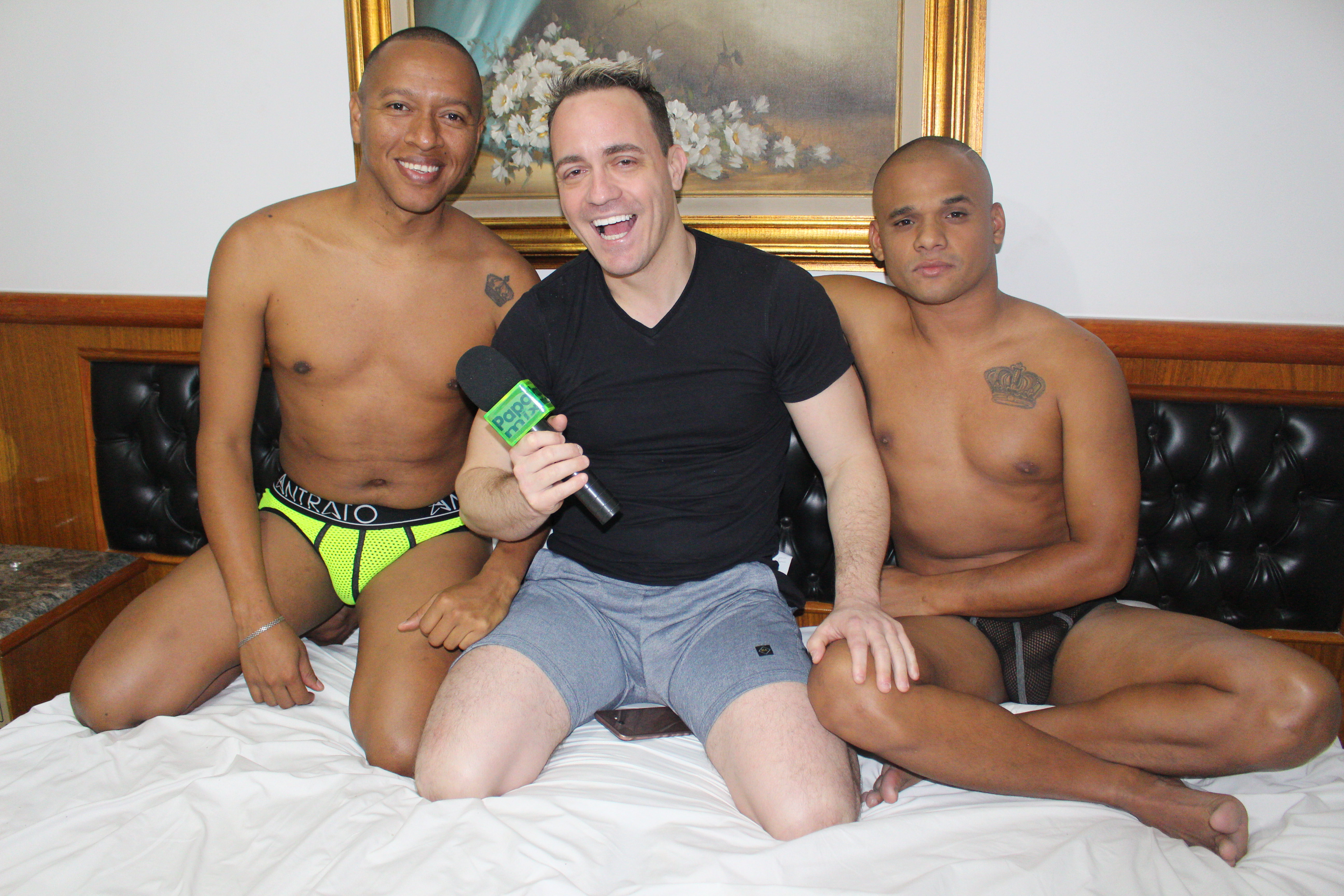 Photo of PapoMix confere estréia de Hugo Exxtreme e Victor Moreno em show de sexo ao vivo